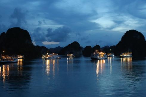 Halong Bany by night